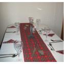 Chemin de table tissu tartan écossais fond rouge ou fond vert foncé