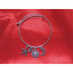 Bracelet avec breloques