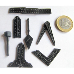 Mini outils en métal ouvragé (7 miniatures)